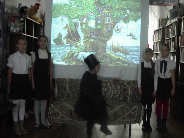 Изображение предпросмотра прочтения – «г. Минусинск школа № 12» читает произведение «У лукоморья дуб зеленый.» А.С.Пушкина