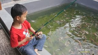 Mancing Mania Menangkap Ikan Dikolam Liburan Bersama Tori Airin