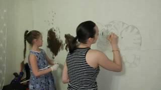 Чеширский кот на стене в детской акриловыми красками