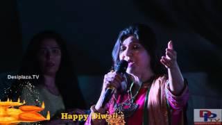 Alka Yagnik Singing  Suraj Hua Maddham Song At DFWICS Diwali Mela 2015 At Dallas.