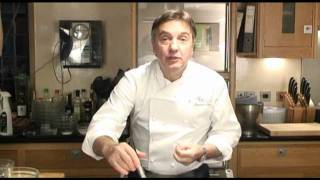 Raymond Blanc -  Chocolate Dessert For Valentine's Day In 5 Minutes