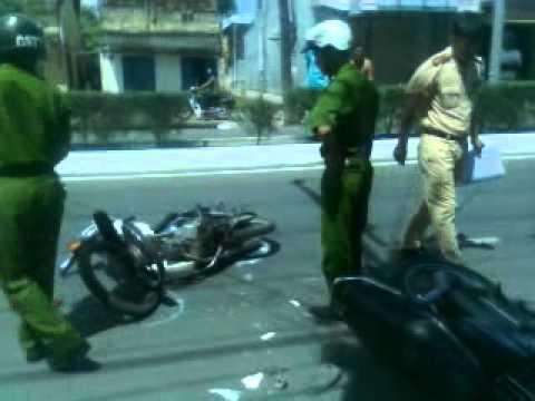 tai nạn giao thông inh hoàng tại phan rí cửa -bình thuận.3gp