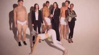 Jessica Cook & Katherine Hughes ft. Darmirra Bronson – Blurred Lines