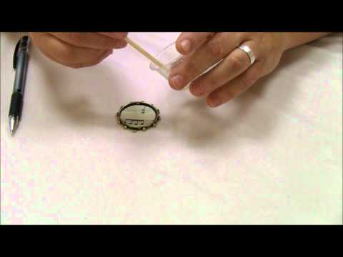 Mixed Media in Minutes: Pouring a Resin Bezel with Jen Cushman.wmv