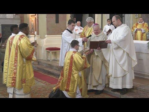 Három papnövendéket szenteltek diakónussá Gyulán