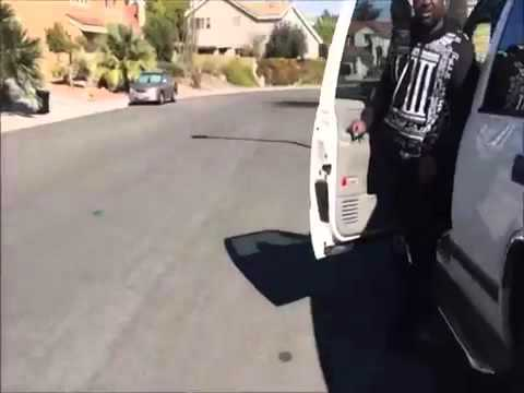 Guy confronts bunch of guys robbing his neighbor