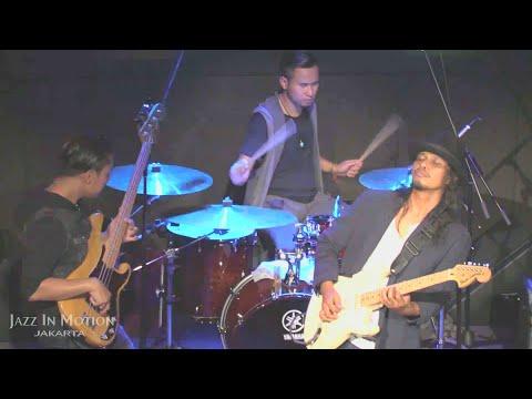 Gugun Blues Shelter - I Wanna Be Your Man @ Motion Blue Jakarta 28/5/16 [HD]