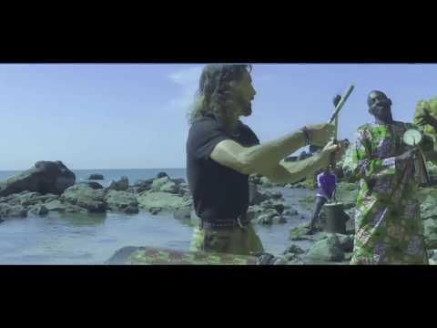 The African Embrace -  Tantra Zawadi - Abiodun Oyewole -  Bidew Bou Bess