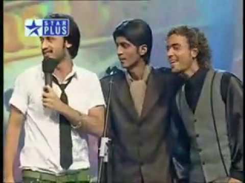 Atif Aslam singing meri kahani at VOI.flv