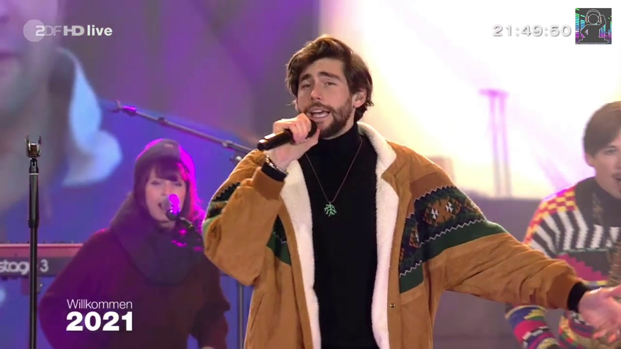 Alvaro performs on the New Year's Eve show Willkommen 2021 on ZDF