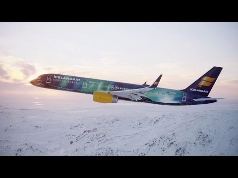 Artists Paint an Entire 757 into Northern Lights #MyStopover
