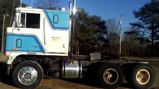 wt 9000 Ford 318 Detroit Deisel (cold start)