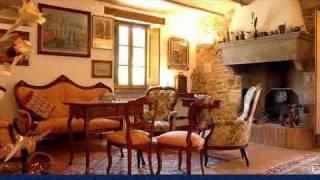 Vendita casali e ville - Umbria - Antico casale in vendita fra Umbria e Toscana con terreno e piscina - Perugia