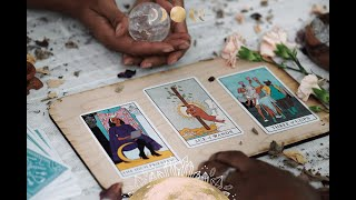 10 Best Crystals for Tarot & Oracle Card Readings