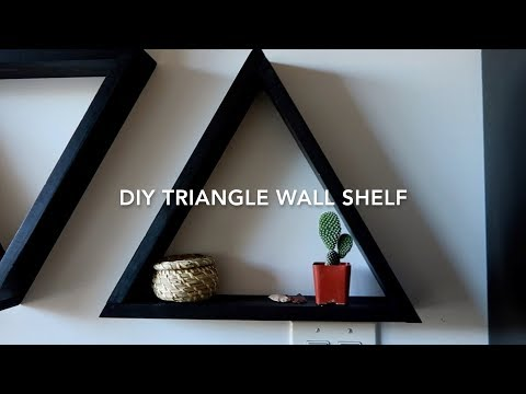 DIY | Triangle Wood Shelf