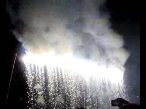 Gudiyattam gangai amman festival 2011 Raining fireworks (gudiyatham carnival).mp4