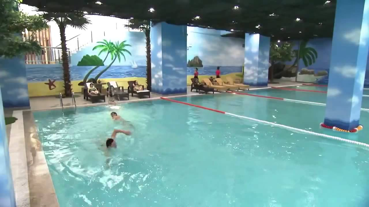 Hồ bơi bốn mùa Times City & Vinhomes Central Park Tân Cảng
