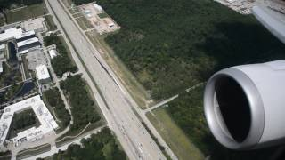 USED THE WHOLE RUNWAY!!!!! United 767 takeoff