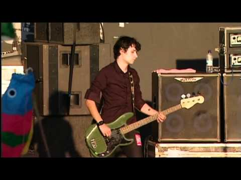 Bloc Party - Helicopter [Live at Reading 2007] HD