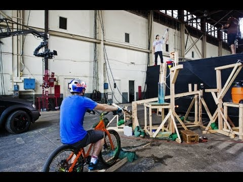 """Behind the Scenes of """"The Athlete Machine"""" - Red Bull Kluge"""