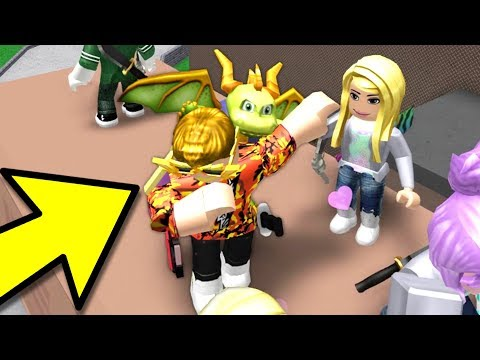 WHY YOU SHOULD NOT DAB IN ROBLOX MM2..
