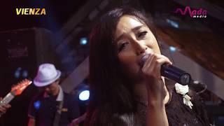 Gerimis Melanda Hati - Yuni Ayunda, Om Vienza Live Benjeng Gresik