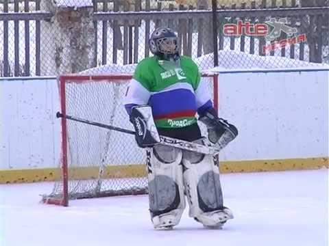 Евгений Куйвашев вручил призы победителям Кубка мира по хоккею