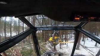 ASMR metsäkoneen kopin sisältä / Inside the cabin of a forestry machine. Ponsse Scorpion King H7.
