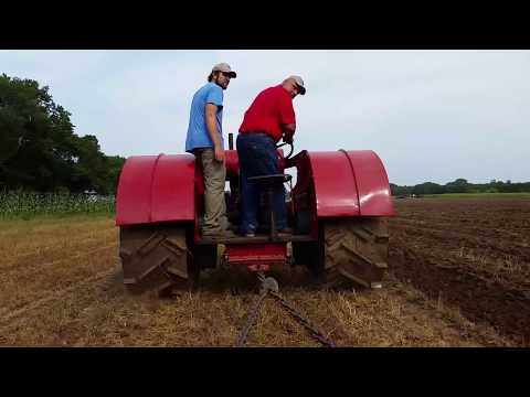 Badger Steam & Gas 2017: Wisconsin Tractor Plowing