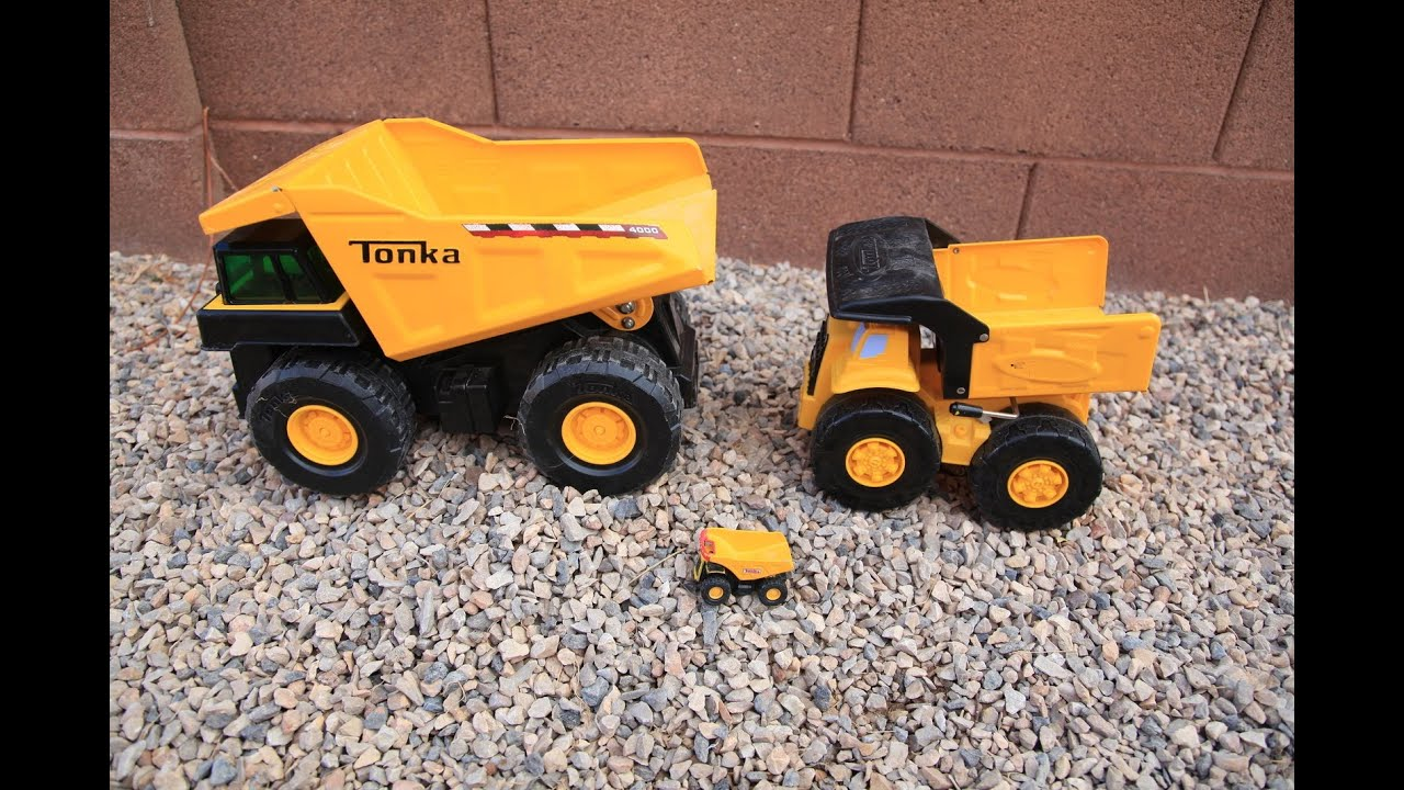 Big Dump Trucks >> BIG Tonka Metal Toy Dump Trucks Contruction Yard Excavator ...