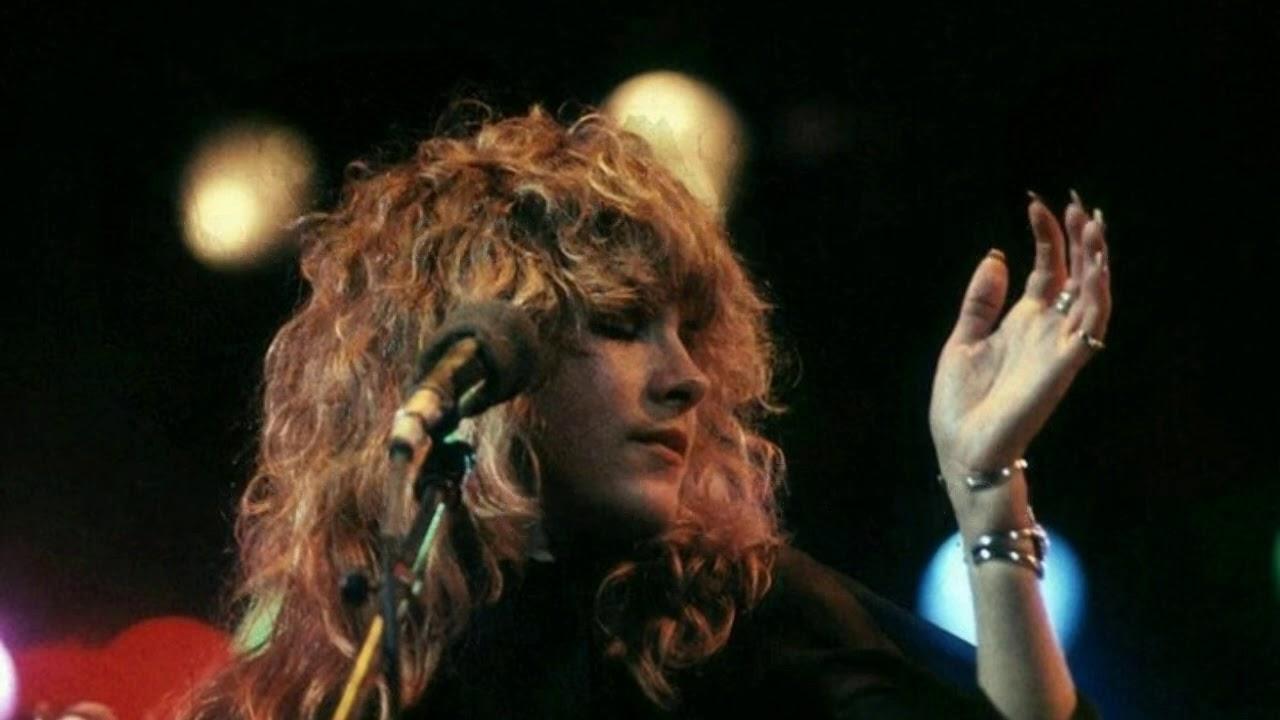 Download Fleetwood Mac - Gypsy (letra y traduccion al español)