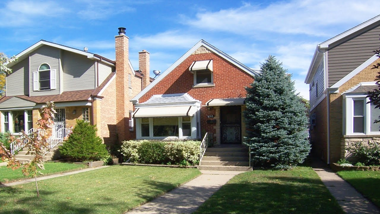Beautiful home for sale in chicago norwood park homes for Chicago house for sale