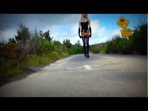 Crossdressing: My first YouTube video - black dress & heels