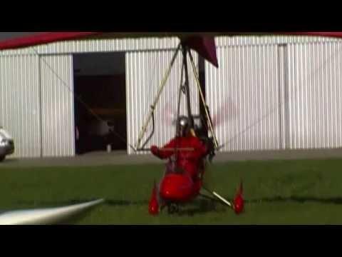 Piloot Hans Bubberman EU-751 op de trike op Budel Kempen Airport