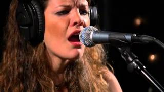 Hinds - Garden (Live on KEXP)