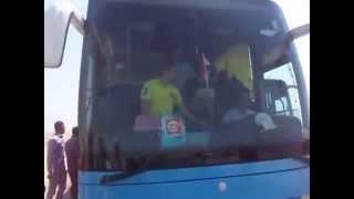 وصول اتوبيس لاعبى المنتخب القومى لكرة لقدم فى اول موقع حفر أغسطس 2014