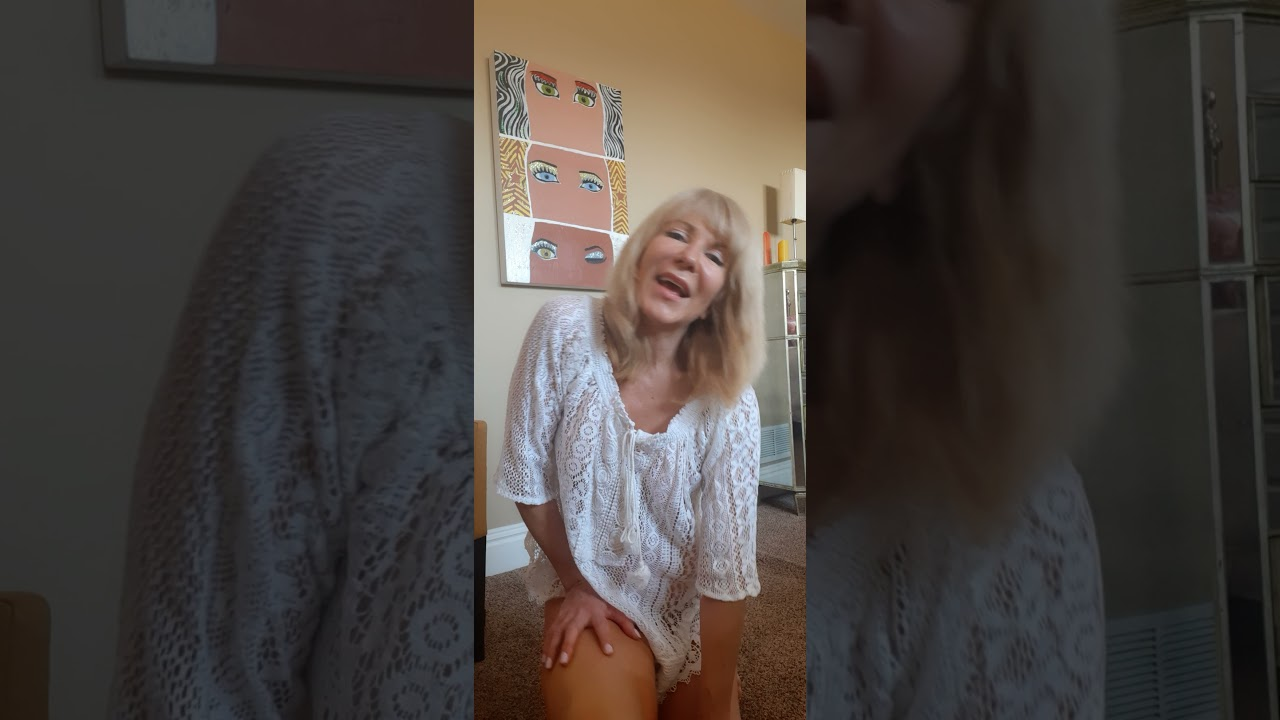 Crazy Carol Sings I Only Have Eyes For You by Carly Simon! Beautiful Tune!