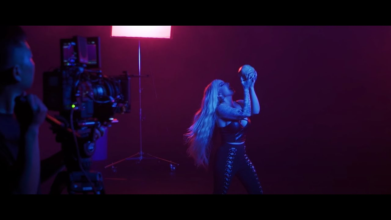 """New Years Day – """"Skeletons"""" (Behind The Scenes)"""