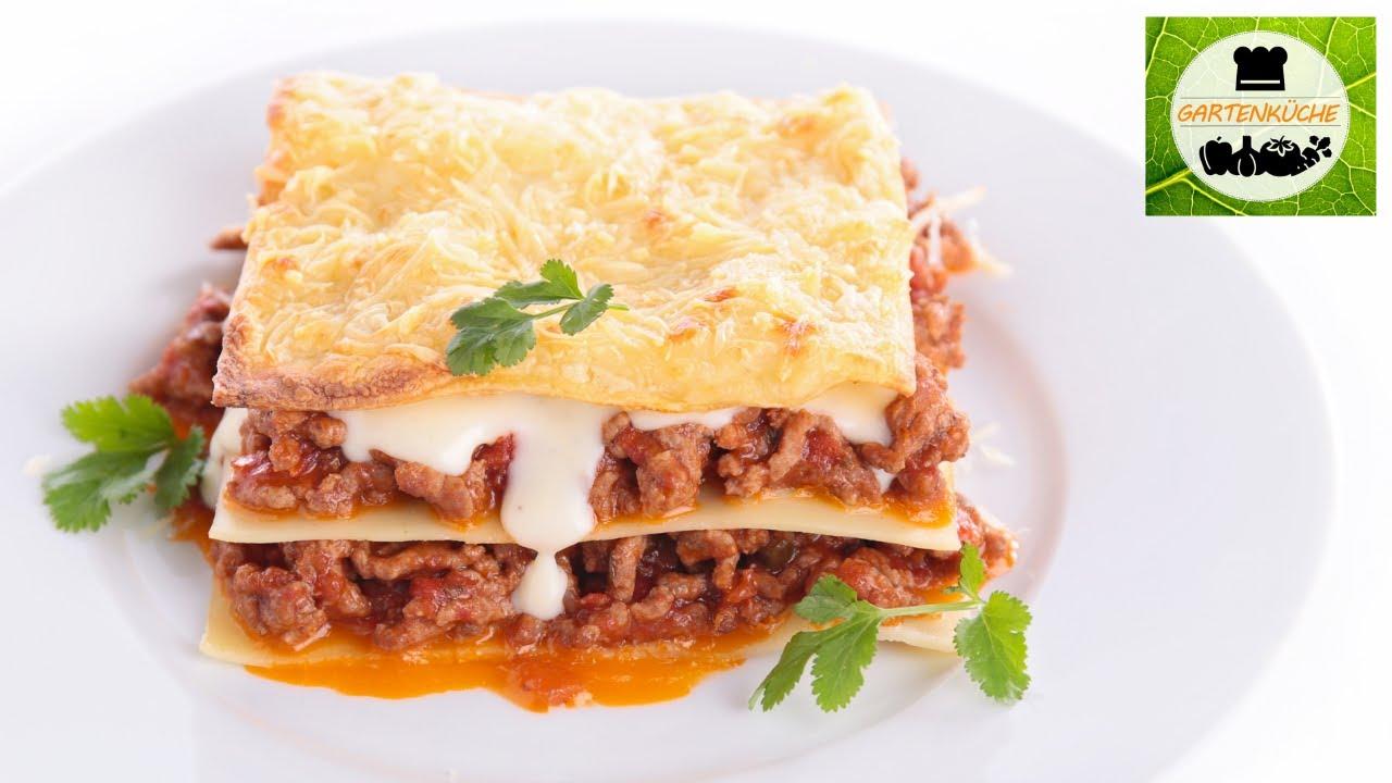 Selbstgemachte Lasagne Bolognese mit Béchamelsauce