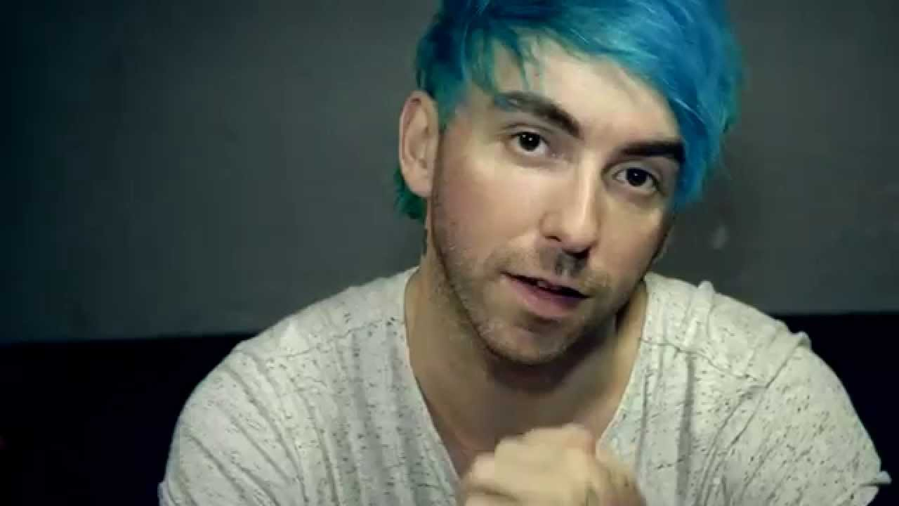 Alex gaskarth 39 s message to all time low fans in the for What time is it in maine right now
