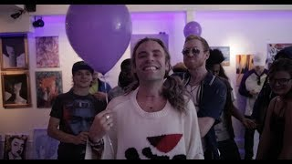 Lost in Vegas ft. Mod Sun - Hollywood Signs