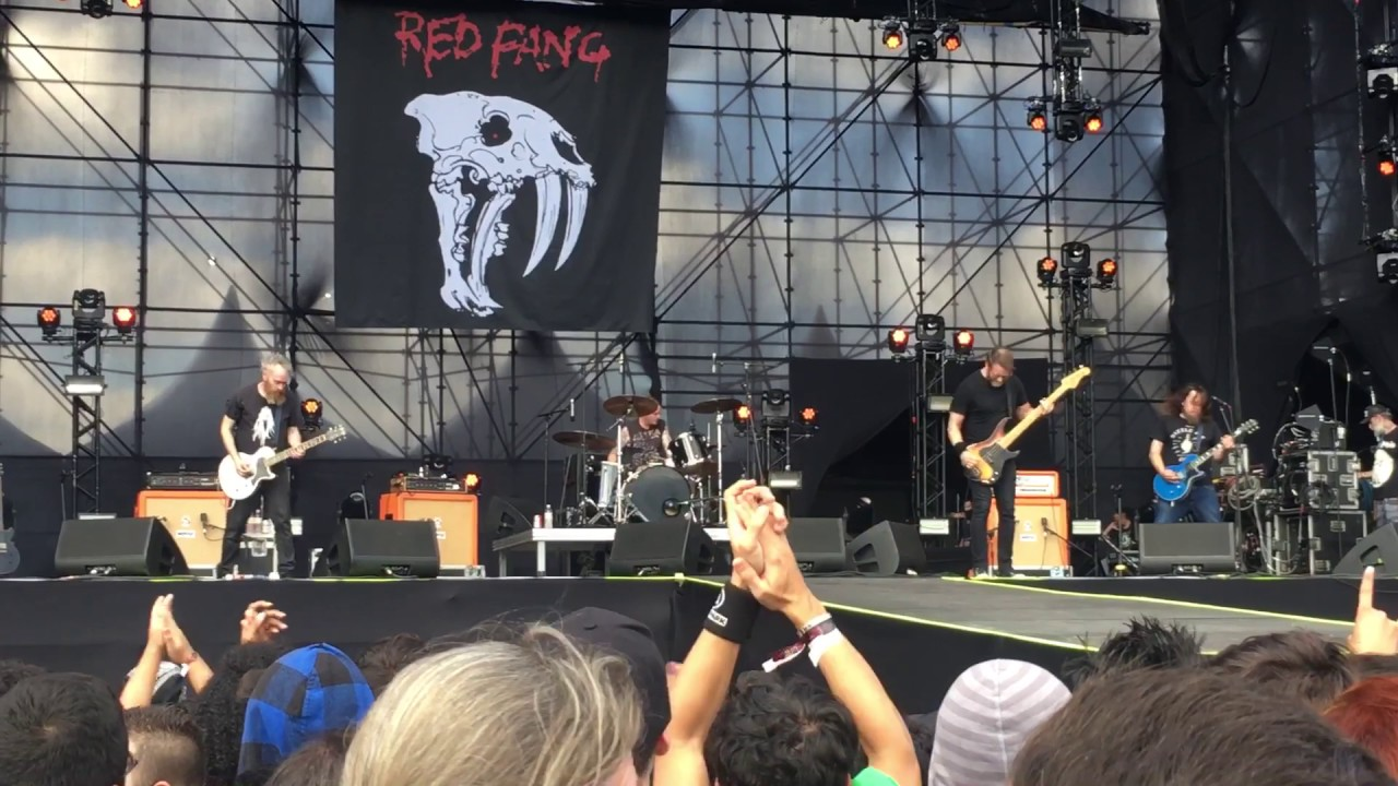 Wires - Red Fang at Maximus Festival Brasil 13/05/2017 - YouTube
