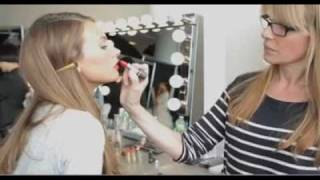 Red Lip- How To video - Elizabeth Arden Thumbnail