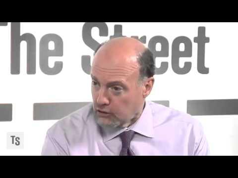 Jim Cramer Discusses Warren Buffett