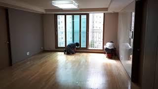 부산사하구입주청소, 바닥의 스티커, 얼룩, 테이프자국 …