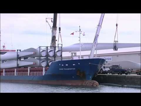 Goonhilly Blades Arrive at Avonmouth Docks