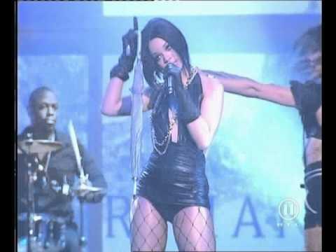 Rihanna - umbrella (live @ the dome 42).avi