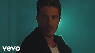 Νίκος Οικονομόπουλος - Για Κάποιο Λόγο (Official Music Video)