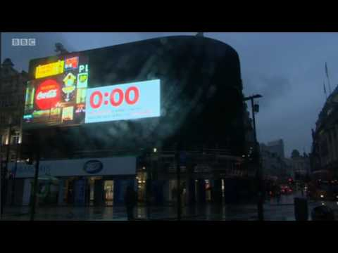Piccadilly Circus billboard lights switched off for longest time since the Blitz
