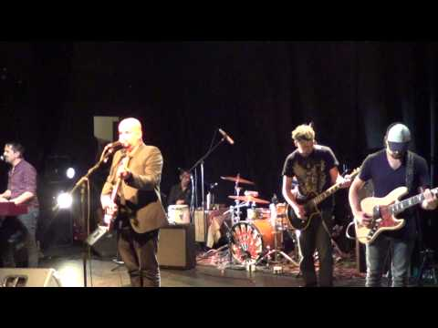 Alain Johannes (Alain & Friends) - Making a cross (Anfiteatro Bellas artes, Chile 2013)